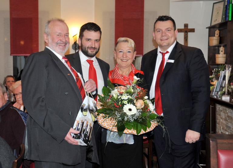 Vorstandschaft des SPD-OV Abenberg mit Vorstand Richard Riepel, Stellvertreter Christian Farsbotter, Kassier Ralf Rieber und Schriftführerin Lotte Riepel